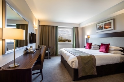 Rooms Near London at Heston Hyde Hotel